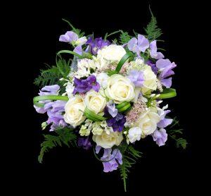 Braustrauß weiß violett