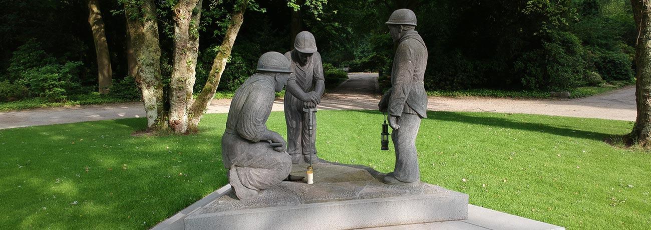 denkmal-hauptfriedhof-buer